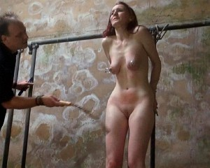 Amateur bdsm whipping